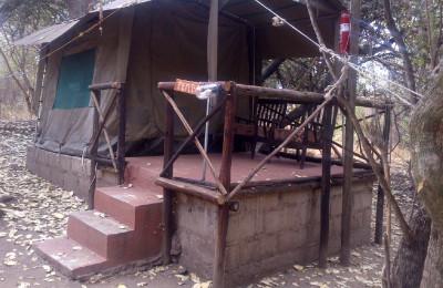 Tent 4 exterior